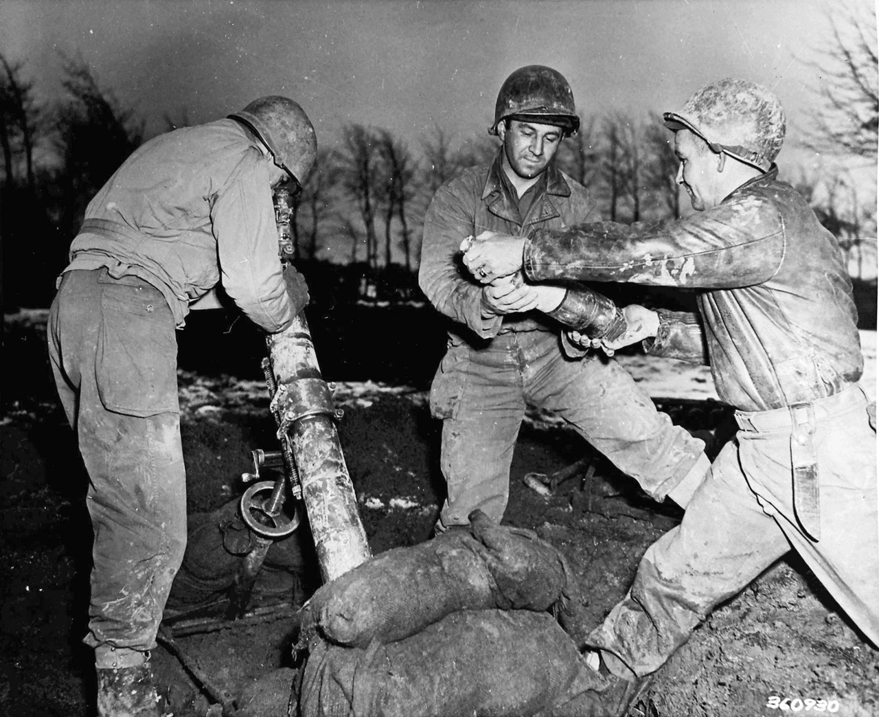 Dec 1944, 8Th American Infantry Division, 86Th Chemical Mortar Battalion